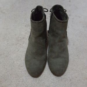 REPORT Mita sage green ankle boot size 8.5